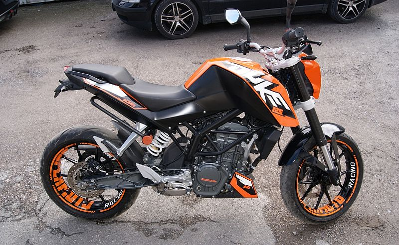 "KTM Duke 125 - ""SUPERMOTO"" Design in Orange"
