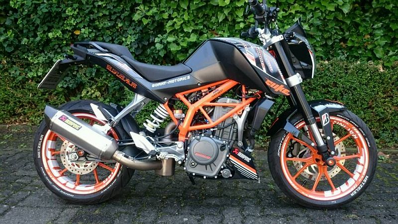 "KTM Duke 390 - ""DUKE"" Design in Weiß"