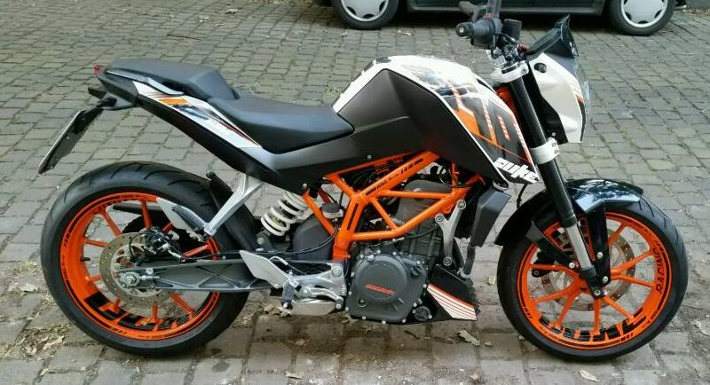 "KTM Duke 390 - ""DUKE"" Design in Schwarz"